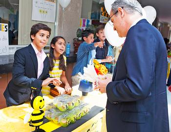 Of Bees and Business: the Mazahua Tianguis