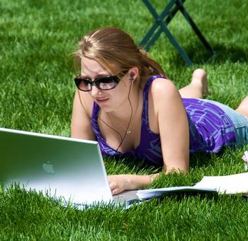 There's a new addiction on campus: Problematic Internet Use (PIU)