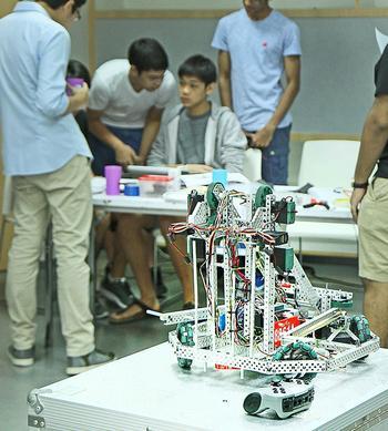 NIST Students Impress at Robotics Competition