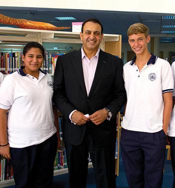 Riz Khan Hosts UAS Dubai Student Panel on Global Issues